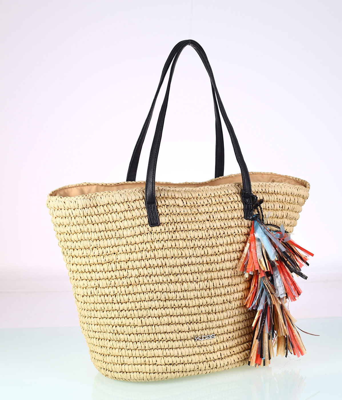 1ada487c3 Dámska taška zo syntetickej rafie Kbas so strapcami krémová