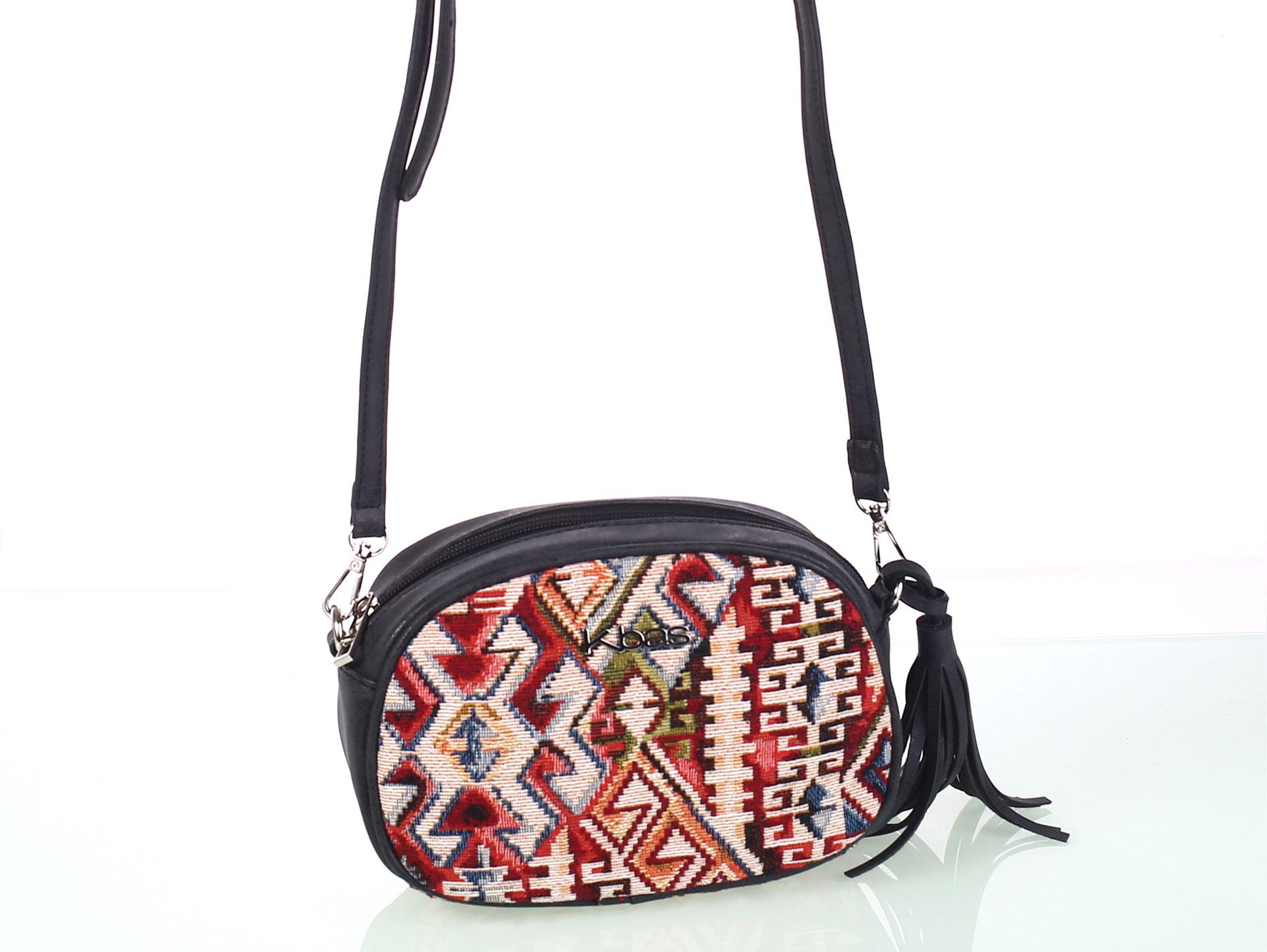 dface74fc2 Dámska kabelka cez rameno z eko kože a bavlny Kbas s aztéckym vzorom čierna