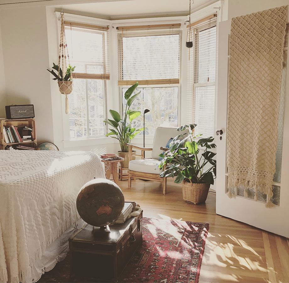 Útulný domov s interiérovými dekoráciami Kbas