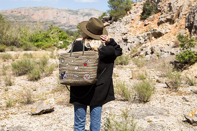 Dámská kabelka z nylonu Kbas s prošíváním a nášivkami khaki
