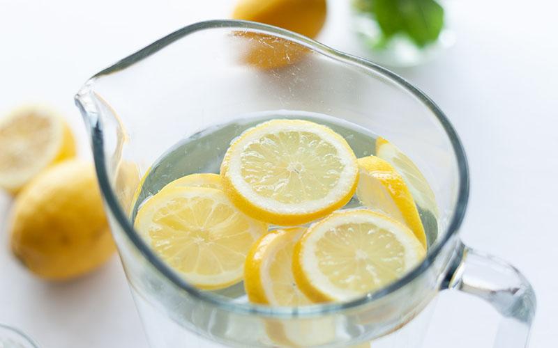 Detox citromos víz