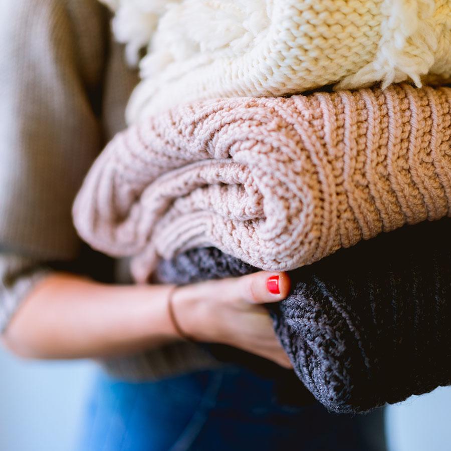 Velký průvodce svetry: 4krát jinak a vždy stylově