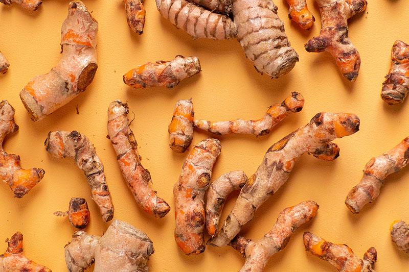 Aurul dintre condimente: Descoperiți beneficiile turmericului