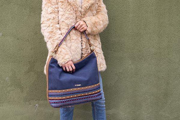Női táska ekobőrből és vászonból Kbas mintás kék