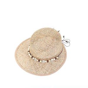 Dámsky klobúk s mušľami Kbas KB019910