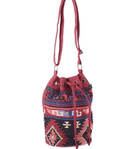 Kabelka cez rameno z plátna Kbas s aztéckým vzorom zaťahovacia