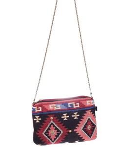 Kabelka cez rameno z plátna Kbas aztéckym vzorom vybíjaná
