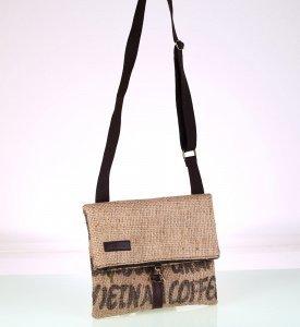 Dámska kabelka cez rameno z recyklovanej juty Kbas s motívom kávy hnedá 085746