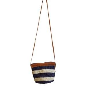 Dámska kabelka cez rameno z palmovej slamy Kbas Keňa s pásikmi modrá malá 087206-3