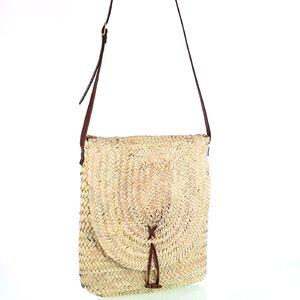 Dámska slamená kabelka na rameno Kbas s koženým popruhom 087276