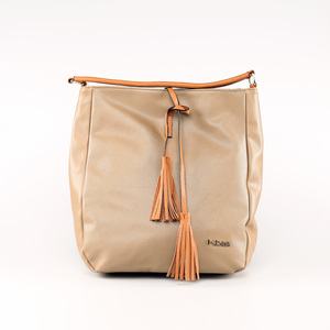 Elegantná kabelka z eko kože Kbas so strapcami béžová