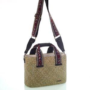 Dámska taška zo slamy na rameno so vzorovanými látkovými popruhmi Kbas červená 147810