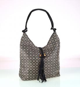 Elegantná kabelka z PP Kbas so strapcom vzorovaná 215703N