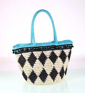 Dámska taška zo syntetickej rafie Kbas s geometrickým vzorom