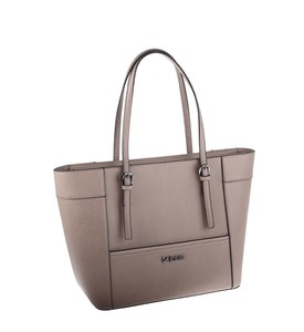 Elegantná kabelka z eko kože Kbas s prackami na popruhoch béžová
