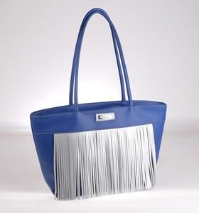 Elegantná kabelka z PVC Kbas so strapcami modrá