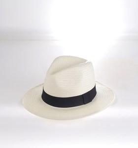 eafbc2bf1 Dámsky klobúk zo syntetickej rafie Kbas krémový