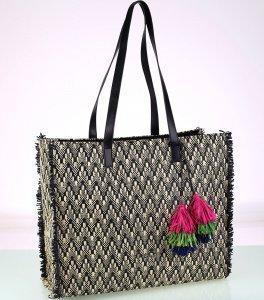 Dámska taška zo syntetickej rafie Kbas so vzorom a strapcami