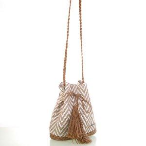 Dámska taška na rameno Kbas so slamenými popruhmi a strapcami biela 341810BL