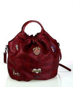 Dámska kabelka eko koža Kbas s okrúhlymi rúčkami a nášivkami granátová
